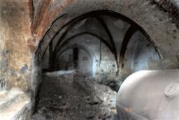 W 1989 r. znajdowały w kaplicy jeszcze resztki pieca c.o.