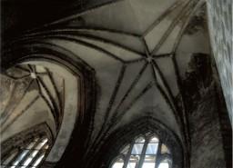 Sklepienie gwiaździste w górnej Kaplicy Maryjnej